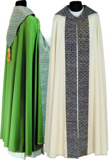 piviale con stolone Pietrobon in tessuto fresco lana dal taglio gotico con stolone, collo e scudo in seta lurex. Confezione sartorial made in Italy