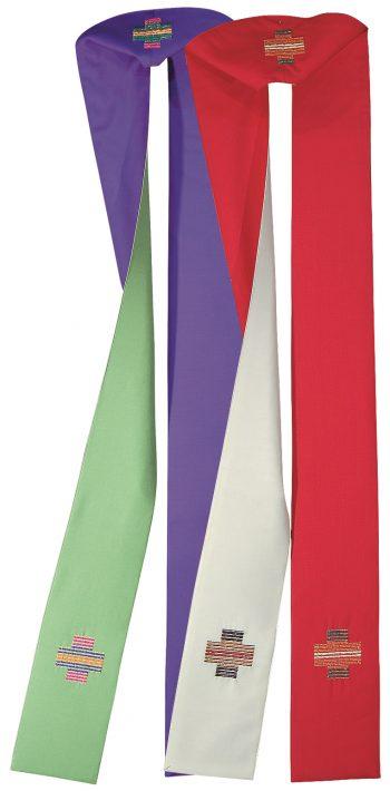 stola bicolore Pietrobon confezionata in un tessuto di pura lana con ricamo diretto cruciforme alle estremità. Confezione made in Italy