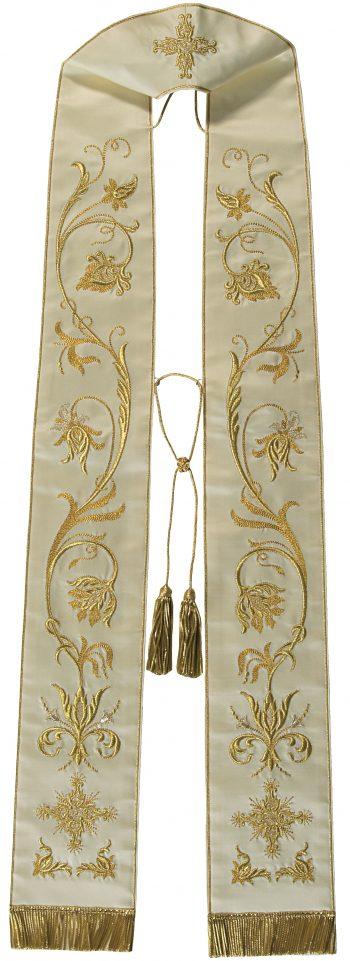 """Stola """"Giovanni"""" Maranatha Lab in tessuto micromonastico, interamente ricamata in oro da motivi floreali."""