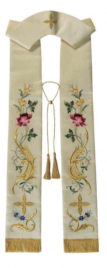 """Stola """"Rosa-Mistica"""" Maranatha Lab in tessuto micromonastico, interamente ricamata con motivi floreali."""