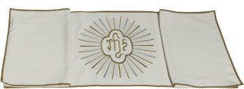 """Velo-Omerale """"Gad"""" Maranatha Lab in tessuto lana decorato con ricamo dorato centrale del simbolo """"Jhs""""."""