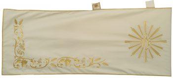 """Velo-Omerale """"Seminatore"""" Maranatha Lab in tessuto fresco lana con ricami floreali in oro e simbolo """"Jhs"""""""
