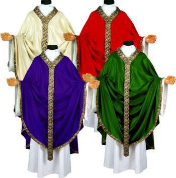 """Casula solenne """"Barca"""" dal taglio gotico impreziosita con ricamo orientale interamente realizzato con paillettes"""