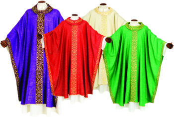 "Chasuble ""Jacob"" Maranatha Lab square cut in light fabric with chevron, collar and border embroidered in gold"