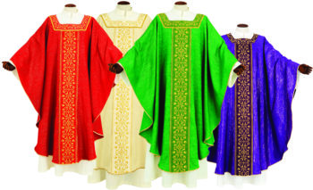 """Classic-cut """"Emanuele"""" Maranatha Lab chasuble made of light fabric with embroidered chevron and square neckline"""