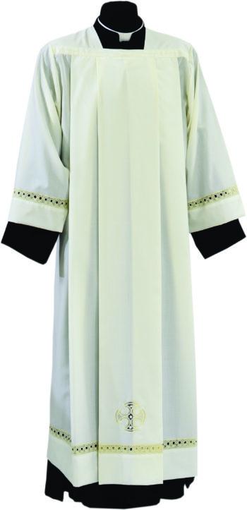 """Camice """"Raniero"""" Maranatha Lab in tessuto misto lana con pizzo rinascimentale e simbolo cruciforme."""