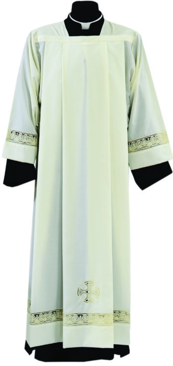 """Camice """"Renè"""" Maranatha Lab in tessuto misto lana con pizzo rinascimentale applicato ai bordi."""