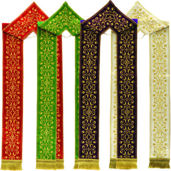 """""""Laudato sii"""" stole by Maranatha Lab, hand made in a light fabric with a chevron embroidered in gold with floral motifs"""