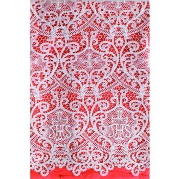"""Completo """"Ancona"""" Maranatha Lab in tessuto lino, decorato con pizzo macramè a motivo floreale e simboli JHS."""