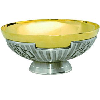 """Piatto """"Croce"""" Maranatha Lab stile moderno in ottone bicolore cesellato con croci stilizzate"""