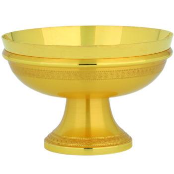 """Piatto """"Elia"""" Maranatha Lab in ottone dorato finemente cesellato con un motivo a greca"""