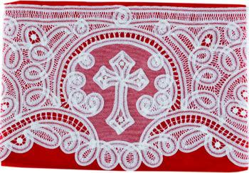 """Bordo """"Lione"""" Maranatha Lab in lino decorato con pizzo rinascimentale e simbolo cruciforme realizzato a mano."""