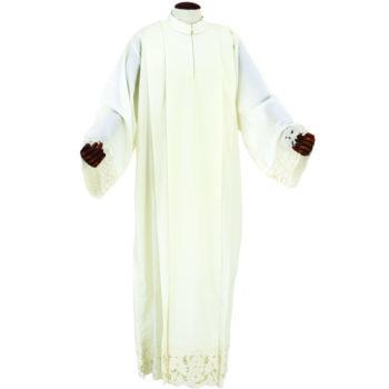 """Camice """"Costantino"""" Maranatha Lab in tessuto fresco lana con intaglio interamente realizzato a mano."""